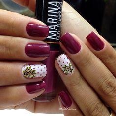 Nails #Marsala @marinaruybarbosa #filha #unica #rosa #dourada #madahsantana #manicure #nailartes #naoéadesivo #tudofeitoamaolivre #traçolivre ❤️