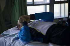 Paciente en el gimnasio del hospital nacional de parapléjicos.