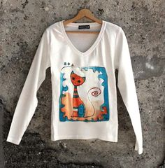 Handpainted cat t shirt with long sleeves. Unique by AHouseAtelier