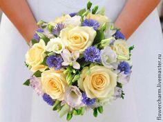 Персиковый букет невесты с васильками - букет невесты,свадебный букет