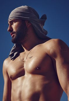 showing the heat and summer, t-shirt on the head? Noah-Mills-Associated-2015-Photo-Shoot-004