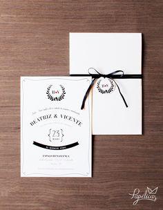 Com detalhes vintage e monograma com folhas e passarinhos, esse convite é clean…