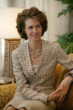 Asma Assad First Lady of Syria Bashar Assad, Wavy Bobs, Office Outfits, Presidents, Blazer, Syria, Elegant, Celebrities, Lady