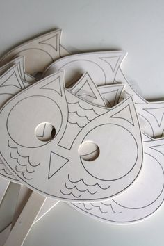 unterschiedliche Variante für Eulenmaske aus Karton