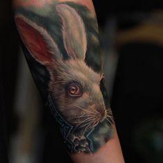 rabit alice tattoo Tattoos 3d, Sleeve Tattoos, Cool Tattoos, Amazing Tattoos, Alice In Wonderland Tattoo Sleeve, Alice In Wonderland Rabbit, Rabbit Tattoos, Tattoo Designs, Ink