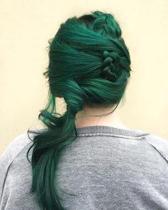 """Mi piace"": 1,538, commenti: 15 - Jess Rainer Va Stylist (@blushhairlove) su Instagram: ""Let me make you a mermaid. Pulp riot is the paint ✨"""