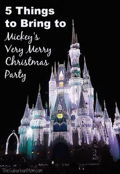 MMMM 5 Things To Bring To Mickey's Very Merry Christmas Party - Walt Disney World Tips for visiting the Magic Kingdom at Christmas from a mom. Disney World Resorts, Walt Disney World, Disney World Vacation, Disney Vacations, Disney Parks, Disney Bound, Disney Honeymoon, Disney Worlds, Family Vacations