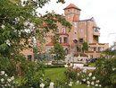 Hochzeit im Schloss Mönchstein Mansions, House Styles, Wedding Abroad, Celebration, Wedding Bride, Manor Houses, Villas, Mansion, Palaces