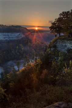 ✯ Letchworth, NY Sunset<<<< I live like half an hour away from here :) Beautiful Sunset, Beautiful Places, Beautiful Pictures, Beautiful Scenery, Letchworth State Park, Mother Earth, The Great Outdoors, Picture Photo, Nature Photography