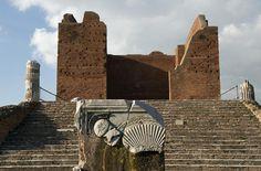 Ostia Antica. Scorcio del Capitolium - id: 1281