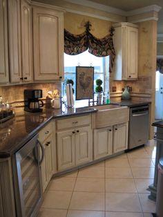 French Kitchen # simple# stone backsplash# kitchen designs