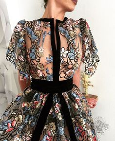 I Like Writing and I Like Solarpunk — mjalti: atelie vlora kaltrina in 2019 Elegant Dresses, Pretty Dresses, Couture Dresses, Fashion Dresses, Looks Party, Look Fashion, Fashion Design, Club Fashion, Net Fashion