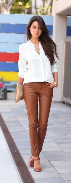 #brown leather skinny pants http://rstyle.me/n/ipra9r9te
