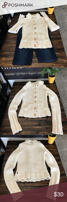 Abercrombie & Fitch sweater Great condition. Minor stain on left arm. Please see pictures Abercrombie & Fitch Sweaters