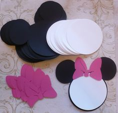 12 Black Minnie Mouse Head Shapes White Circle Shapes Hot Pink Bows Die Cut pieces for DIY Birthday Party Invitations Made with cardboard, from Memories (Michael's craft store brand) you get: 12 Mickey Minnie Mouse, Mickey Party, Mickey Head, Minnie Mouse Cricut Ideas, Mickey Mouse Crafts, Pink Minnie, 2nd Birthday Parties, Birthday Party Invitations, Birthday Diy
