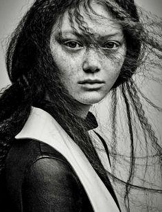 MODERN ATTITUDE PHOTOGRAPHER: PATRICK DEMARCHELIER MODEL: SARA GRACE STYLING: PAUL CAVACO HAIR: GARREN MAKE-UP: DIANE KENDAL NAILS: MEGUMI YAMAMOTO