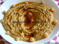 Roasted red pepper hummus Meze Platter, Sweet Red Pepper, Indian Food Recipes, Ethnic Recipes, Eastern Cuisine, Pita Bread, Roasted Red Peppers, Chutneys, Sweet And Spicy