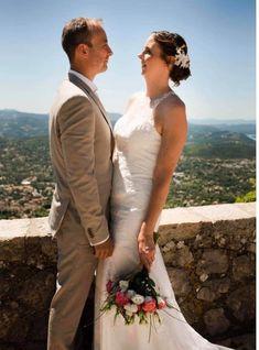 Robe de mariée bohème romantique toute en dentelle de chez Mariage en Rose, mariage du 4 juillet 2020.