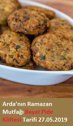 Bayat Pide Köftesi Tarifi – Atıştırmalıklar – Las recetas más prácticas y fáciles Classic Meatloaf Recipe, Good Meatloaf Recipe, Meat Loaf Recipe Easy, Best Meatloaf, Turkey Meatloaf, Meatloaf Recipes, Meatball Recipes, Beef Recipes, Easy Recipes