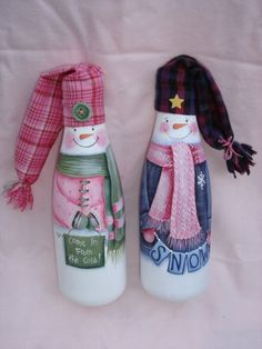 Painted Wine Bottle Patterns...the Santa is really cute!