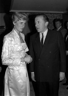 """February 3, 1989: Princess Diana with Sir David Frost during the evening of the Brooklyn Academy of Music's Welsh National Opera """"Falstaff""""."""