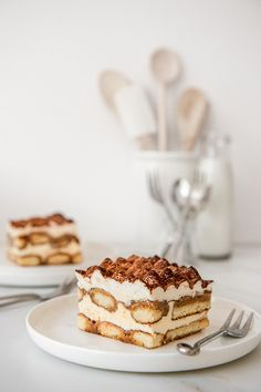 Best Dessert Recipes, Sweet Recipes, Delicious Desserts, Cake Recipes, Chocolate Tiramisu, Chocolate Recipes, Winter Desserts, Thanksgiving Desserts, White Chocolate Sauce