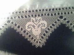 This Pin was discovered by Ser Piercings, Moda Emo, Bargello, Filet Crochet, Elsa, Knots, Rainbow, Diamond, Model