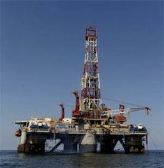 """Estados Unidos """"se convertirá en 2017 en el primer productor de petróleo del mundo"""", por delante de Arabia Saudí y Rusia, lo que puede garantizarle durante años su posición de primera potencia económica mundial, según el economista jefe de la Agencia Internacional de Energía (AIE), Fatih Birol."""
