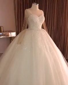 Classic Wedding Dresses Lace,Ball Gown Wedding Dress With Train, Strapless Wedding Gown Plus Wedding Dresses Pinterest, Top Wedding Dresses, Wedding Dress Trends, Bridal Dresses, Wedding Gowns, Wedding Bride, Ball Dresses, Ball Gowns, Dresses With Sleeves
