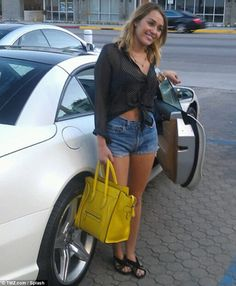 Miley Cyrus Purchase A New Mercedes Benz SL550 in $127,000