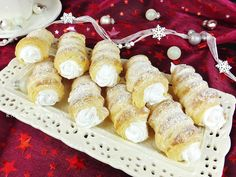 Raspberrybrunette: Snehové trubičky - Šamrole Camembert Cheese, Food And Drink, Dairy, Recipes, Pastries, Cakes, Hampers, Cake Makers, Kuchen