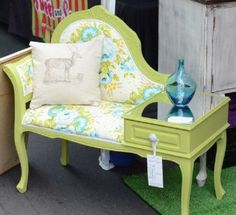 Best Awesome Vintage Telephone Table Designs for A Great Addition at Home - Awesome Indoor & Outdoor Funky Furniture, Refurbished Furniture, Repurposed Furniture, Shabby Chic Furniture, Furniture Projects, Furniture Makeover, Vintage Furniture, Painted Furniture, Vintage Telephone Table