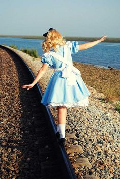 THIS IS THE BEST YOUNG ALICE COSPLAY I'VE SEEN.
