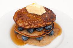 Glutenfrie bananpannekaker Gluten Free Pancakes, Dessert, Breakfast, Health, Food, Velvet, Morning Coffee, Gluten Free Crepes, Health Care