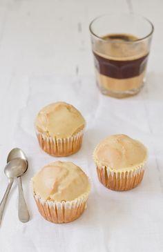Glazed Doughnut Muffins  www.foodandcook.net
