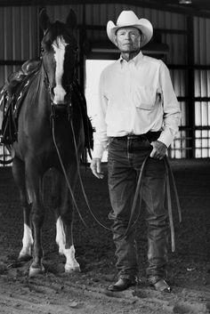 Legendary Waggoner Ranch cowboy Wes O'Neal has retired after 58 years. Jeremy Enlow photographed Wes in See the images of this living legend here. Texas Cowboys, Cowboys And Indians, Cowboy Horse, Cowboy And Cowgirl, Cowboy Pictures, Cowboy Pics, Cowboy Ranch, City Folk, Rodeo Life