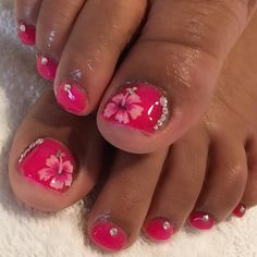 #Floral #nailart for the toes! So perfect for the summer Book appointments at http://ift.tt/1F0GIN1 by i_heart_nailart