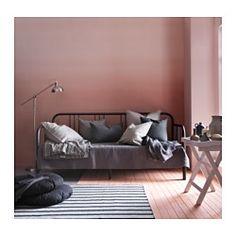 IKEA - FYRESDAL, Dagseng med 2 madrasser, svart/Malfors medium, , To funksjoner – sofa om dagen blir til seng om natten.Få heldekkende støtte og komfort med en smidig polyetermadrass.