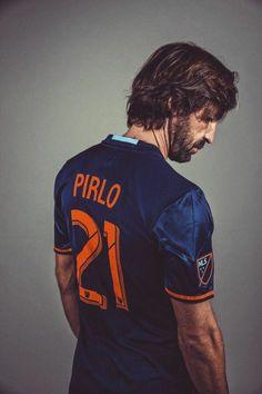 Football=Love — egos-fc: Andrea Pirlo (The architect) New York. Football Icon, Football Drills, Football Love, Football Is Life, World Football, Soccer World, Sport Football, Football Jerseys, Football Italy