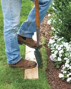How to make a proper lawn border? Use your borders cutting machine mainly around the areas of passages and alleys. There are two ways to define your lawn: You can use an electric engine or gasoline or…MoreMore #LandscapingIdeas