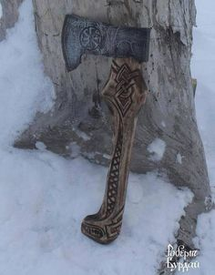I have seen this one called a Slavic Axe elsewhere but this is very much a Nordic design and since the Russ were of Norse descent perhaps I would call it a Russ Axe? Vikings, Axe Handle, Tomahawk Axe, Viking Axe, Beil, Medieval Weapons, Arm Armor, Fantasy Weapons, Knives And Swords