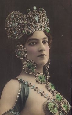 Red Poulaine's Musings: Madia Borelli in Superbe Art Nouveau Jeweled Headdress and Accoutrements, circa 1905