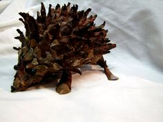 Of Faeries and Flowers: Nature Craft: Pinecone Animals
