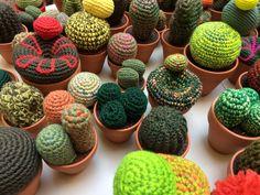 Réalisés par Señorita Crochet. Sur commande Cactus En Crochet, Textiles, Creative Workshop, Fabrics