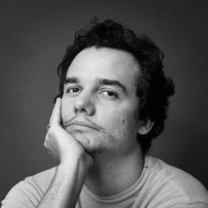 When Wagner Moura plays Pablo Escobar in Narcos, all stops!!  #latinoactor…