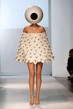 spike-and-eyeball-dress.jpg (467×700)