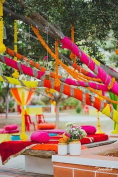 #LazyBridesUnite: The Easiest Mehendi Decor Hack We Spotted! | WedMeGood