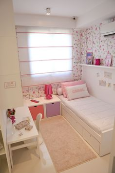Small Teen Bedroom Decor Ideas You Will Love Small Girls Bedrooms, Small Room Bedroom, Teen Girl Bedrooms, Teen Bedroom, Small Rooms, Small Bedroom Ideas For Teens, Hot Pink Bedrooms, Bedroom Retreat, Small Space