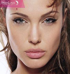 No solo las grandes actrices pueden tener una mirada espectacular. Usa #Dabalash…. Comunícate por WhatsApp +573102563666