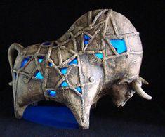 bull | by ЯRAMIL Ceramic Animals, Ceramic Art, Ceramic Figures, Sculpture Metal, Lion Sculpture, Sculpture Ideas, Bull Cow, Cow Art, Animal Sculptures